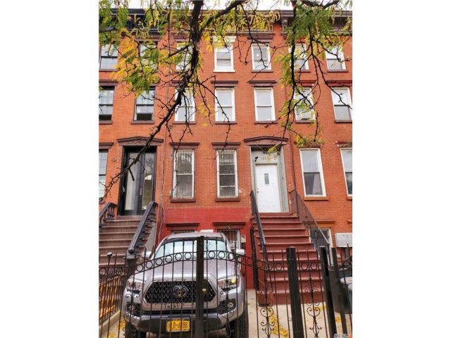 5 BR,  5.00 BTH Other style home in Bushwick