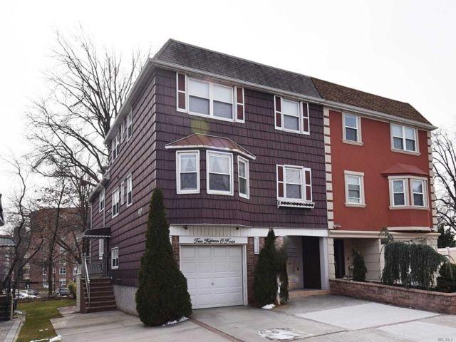 7 BR,  4.50 BTH Duplex style home in Bayside