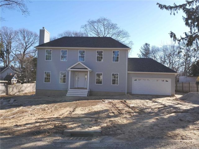 3 BR,  2.50 BTH  Colonial style home in Sound Beach