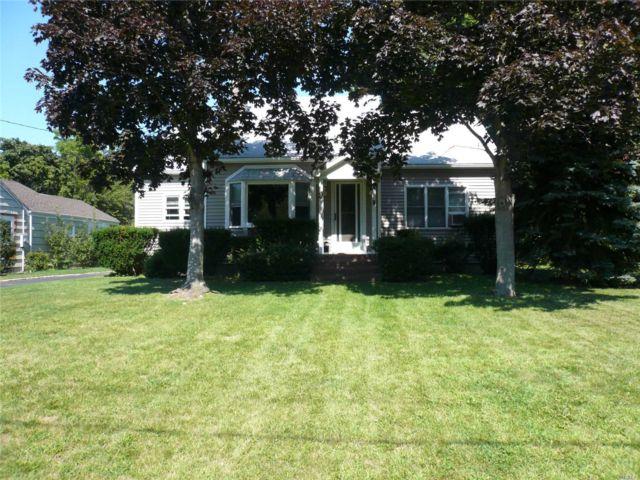 2 BR,  2.00 BTH Cape style home in Riverhead