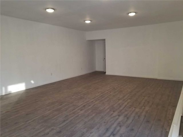 Studio,  0.00 BTH Mixed use style home in Woodhaven
