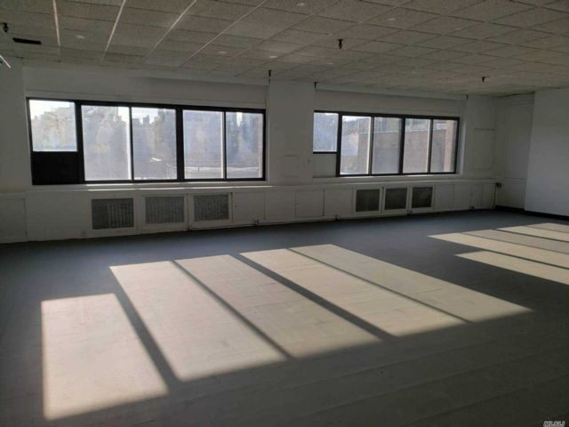 Studio,  0.00 BTH Office style home in Long Island City