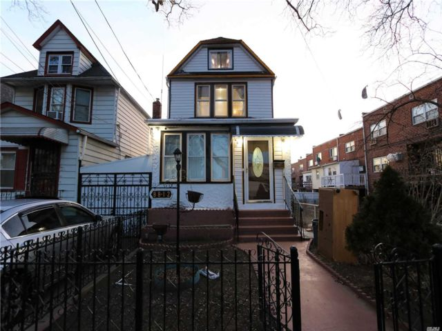 5 BR,  2.00 BTH 2 story style home in Queens Village