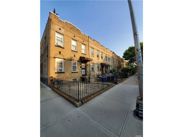 [Astoria Real Estate, listing number 3102945]