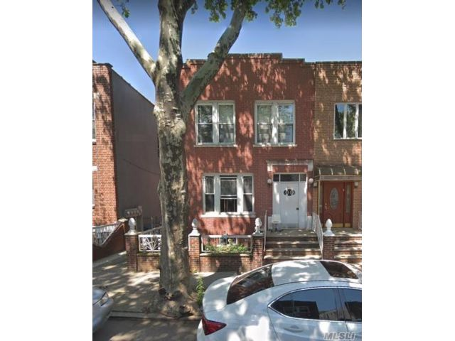 11 BR,  6.00 BTH  Colonial style home in Bensonhurst