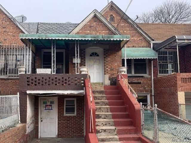 4 BR,  2.00 BTH  Ranch style home in Canarsie