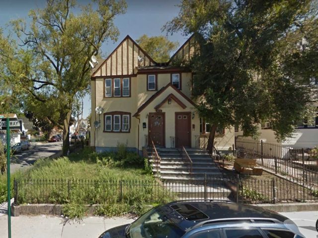 12 BR,  6.00 BTH 2 story style home in Queens Village