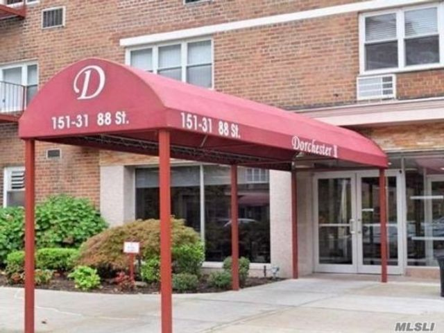 1 BR,  1.00 BTH Co-op style home in Lindenwood