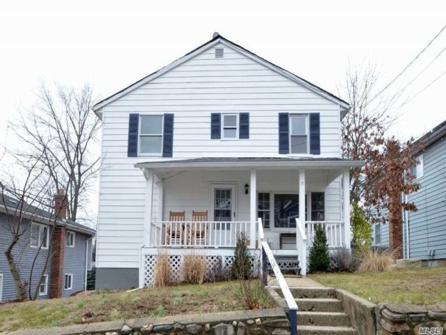 4 BR,  2.00 BTH Colonial style home in Glenwood Landing