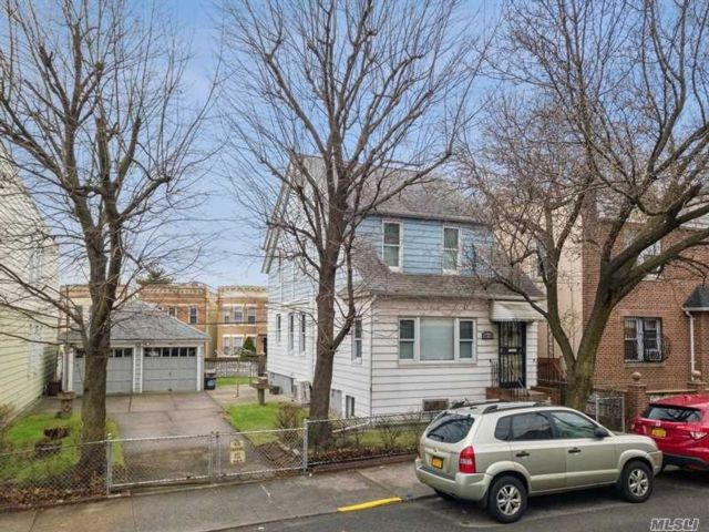 3 BR,  1.00 BTH Other style home in Maspeth