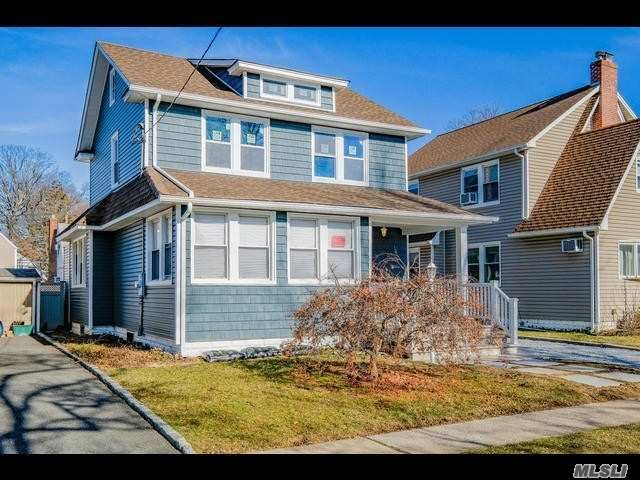 4 BR,  2.50 BTH  Colonial style home in Lynbrook