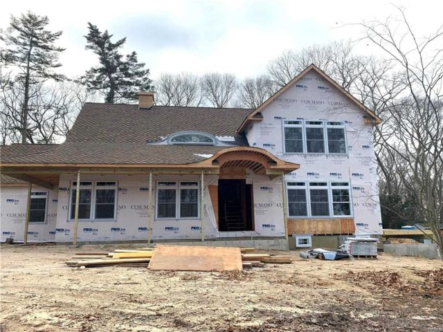 3 BR,  2.50 BTH Other style home in Stony Brook