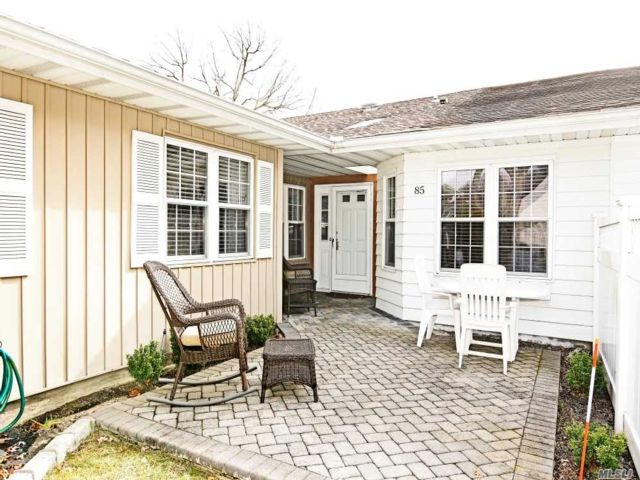 2 BR,  1.50 BTH Homeowner assoc style home in Sayville