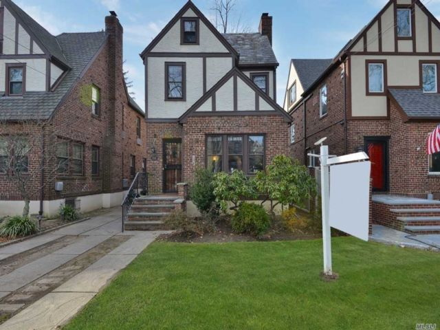 4 BR,  1.50 BTH Tudor style home in Flushing