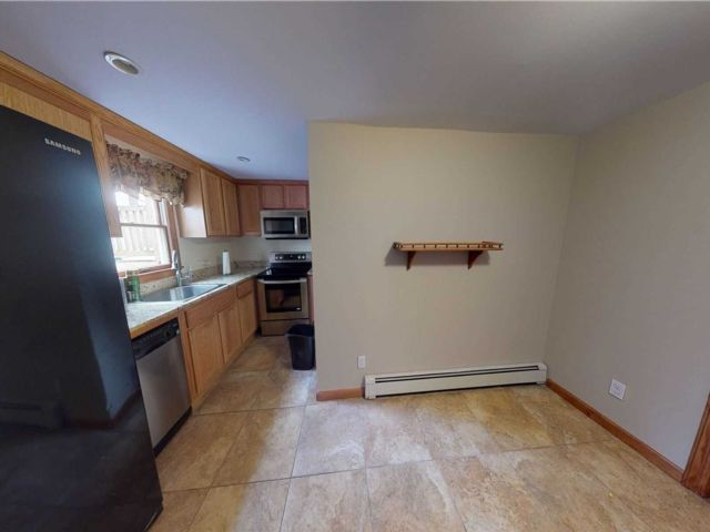 1 BR,  1.00 BTH Apt in house style home in Farmingville