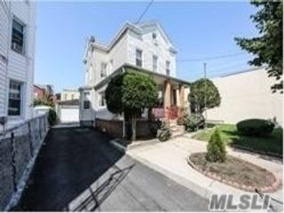 6 BR,  2.00 BTH Contemporary style home in Ozone Park