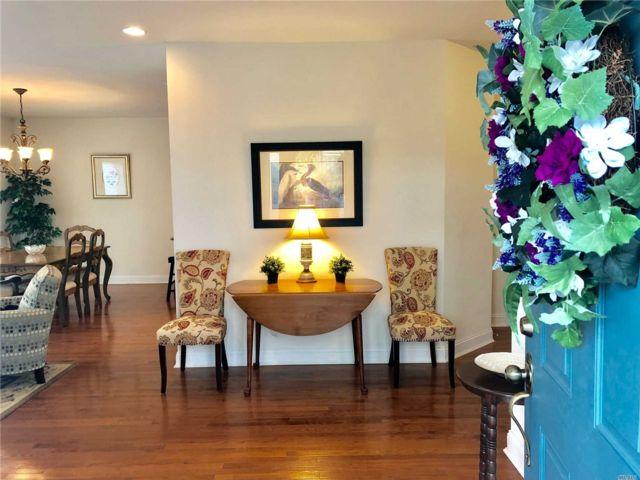 2 BR,  2.00 BTH Condo style home in Amityville
