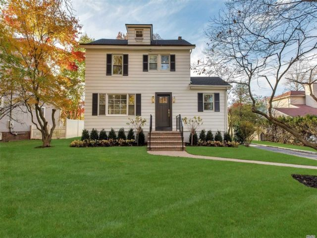 4 BR,  3.50 BTH Colonial style home in Glen Cove