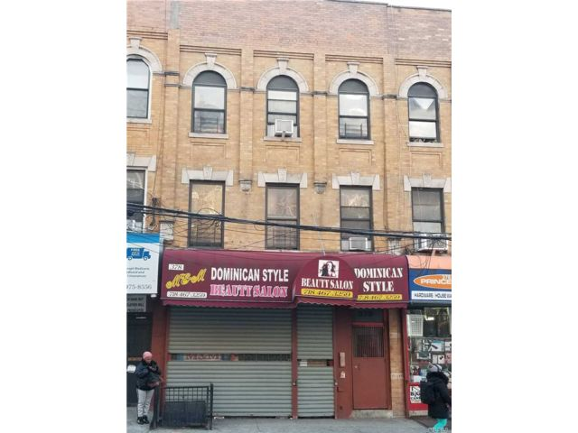 4 BR,  2.00 BTH  Store+dwell style home in Bedford Stuyvesant