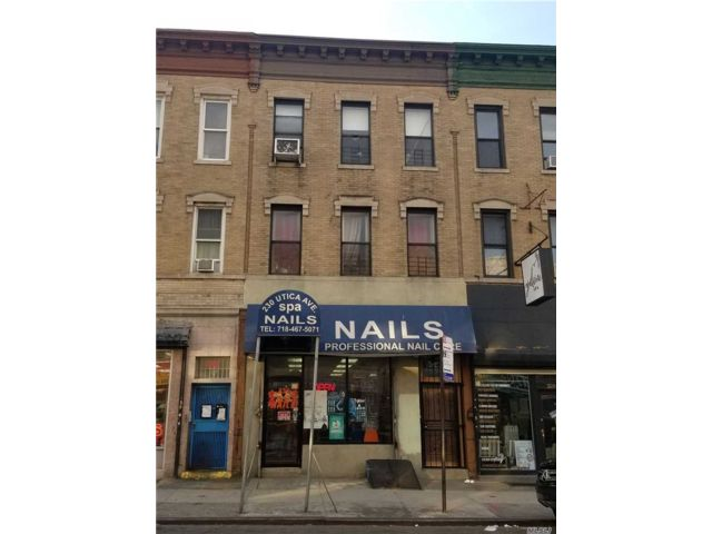 4 BR,  2.00 BTH  Store+dwell style home in Crown Heights