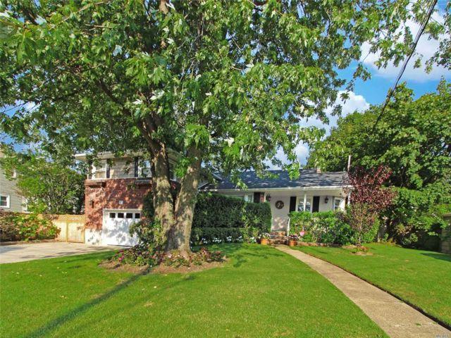 3 BR,  2.50 BTH Split style home in Rockville Centre