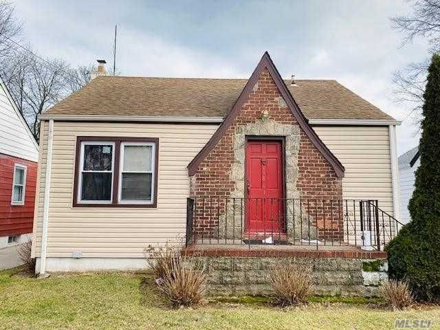 [Cambria Heights Real Estate, listing number 3103977]
