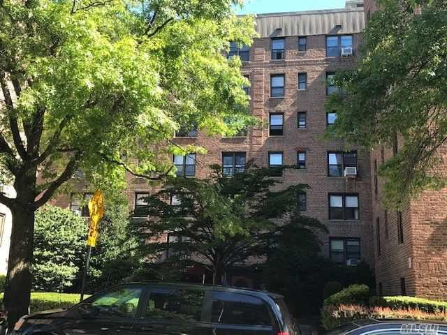 [Woodhaven Real Estate, listing number 3104084]