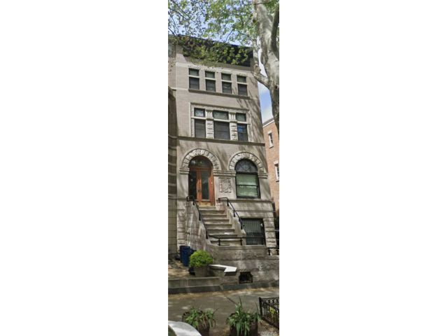 4 BR,  3.55 BTH Townhouse style home in Lefferts Garden