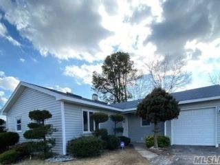 3 BR,  1.00 BTH  Ranch style home in Holbrook