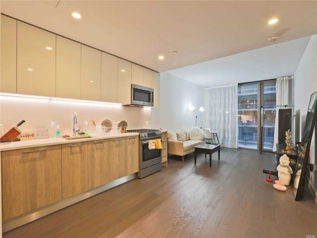 1 BR,  1.00 BTH Condo style home in Flushing