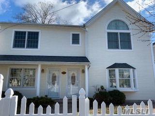 3 BR,  2.00 BTH Duplex style home in Port Washington