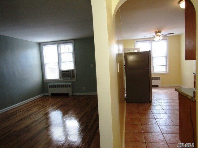 2 BR,  1.00 BTH Townhouse style home in Bellerose