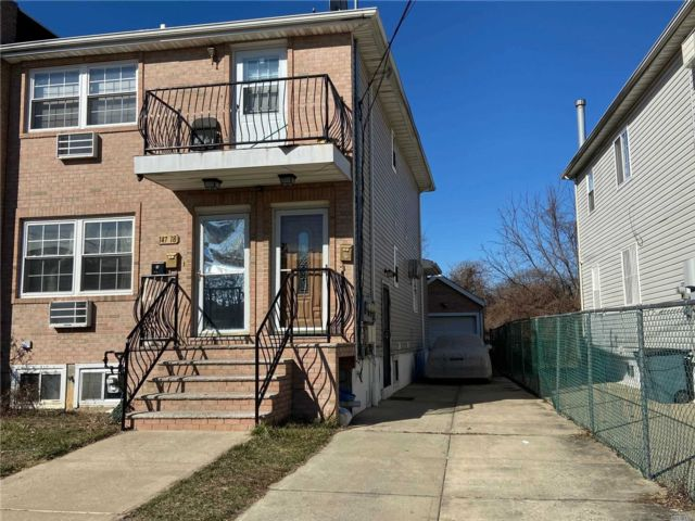 3 BR,  2.00 BTH 2 story style home in Rosedale