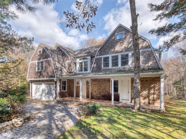 6 BR,  6.00 BTH Nantucket style home in East Hampton