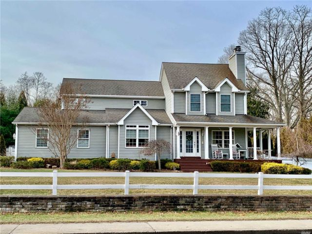 3 BR,  3.50 BTH Colonial style home in Rocky Point