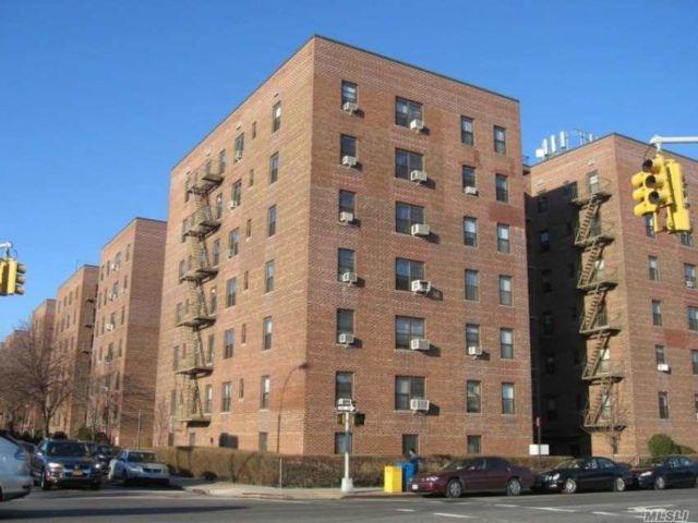 [Jackson Heights Real Estate, listing number 3104737]