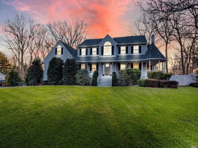 6 BR,  3.00 BTH Victorian style home in Miller Place