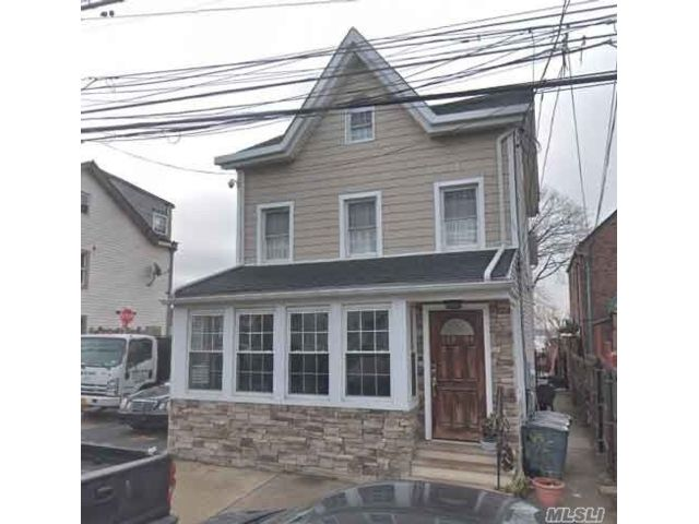 3 BR,  2.00 BTH Colonial style home in College Point