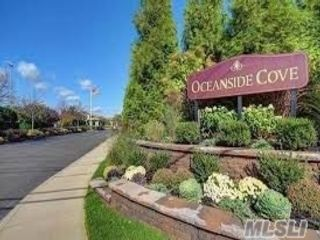 2 BR,  2.50 BTH  Co-op style home in Oceanside