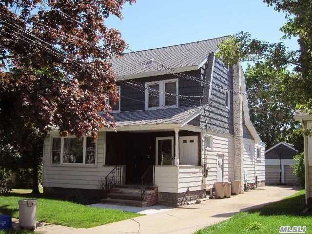 1 BR,  1.00 BTH Colonial style home in North Baldwin