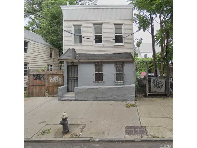 4 BR,  2.00 BTH  Colonial style home in East New York