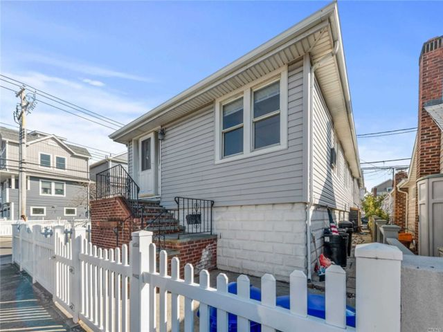 [Long Beach Real Estate, listing number 3105105]