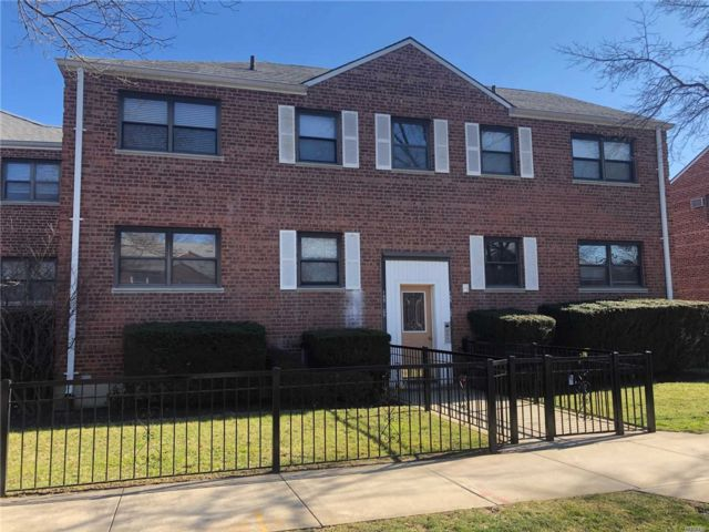 [Howard Beach Real Estate, listing number 3105194]
