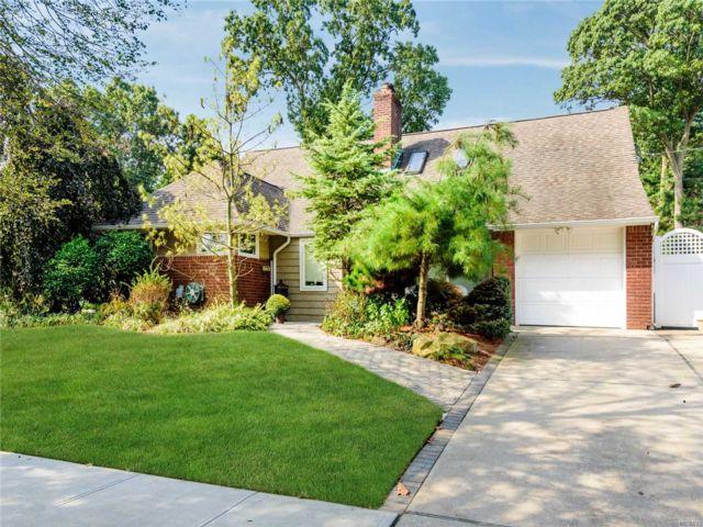 [Merrick Real Estate, listing number 3105284]