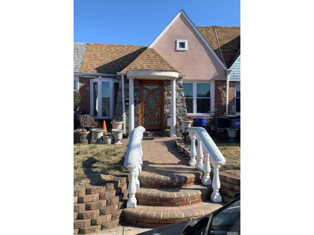 [Cambria Heights Real Estate, listing number 3105307]