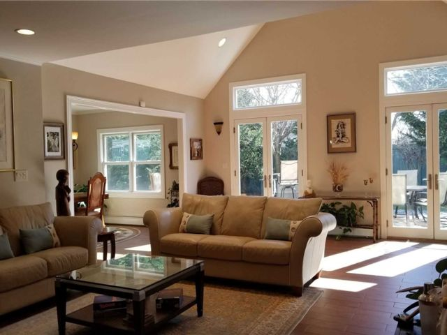 3 BR,  2.00 BTH Cape style home in Levittown