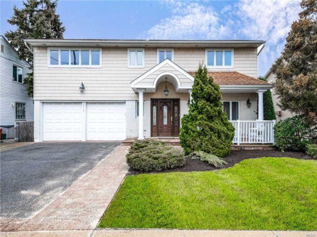 [Merrick Real Estate, listing number 3105490]