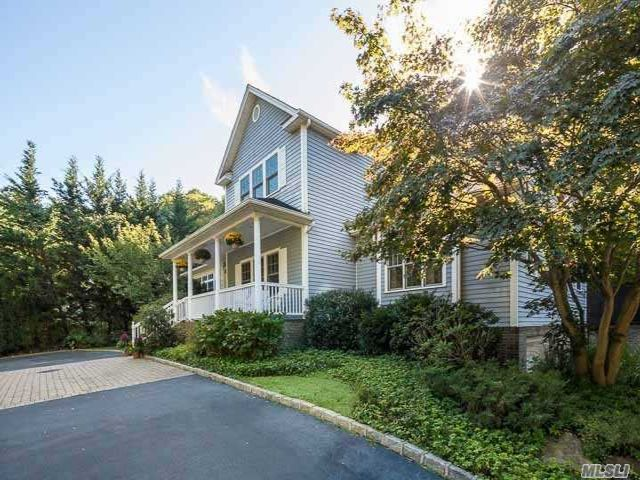 5 BR,  4.50 BTH Colonial style home in Stony Brook