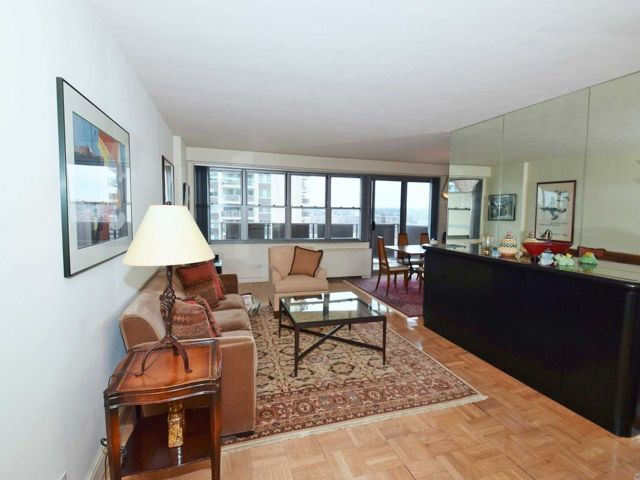 2 BR,  2.00 BTH Co-op style home in Bayside