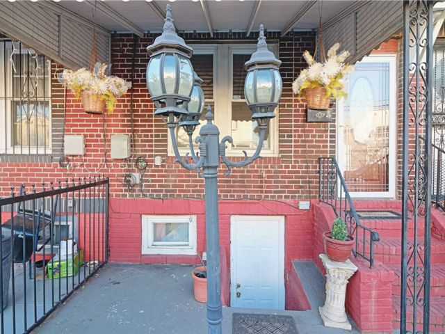 2 BR,  1.50 BTH Colonial style home in South Ozone Park